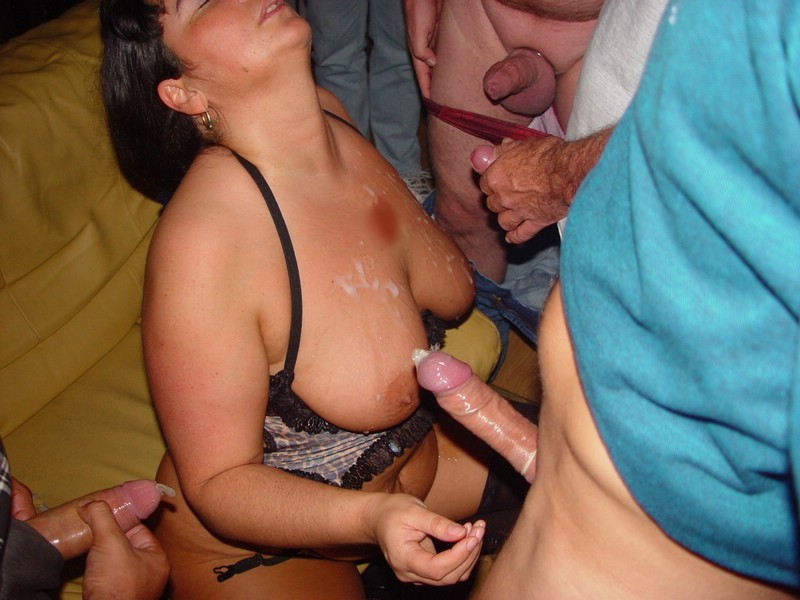 Wife Blows Friend Party